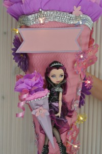 ever After High gebastelte Schultüte 1